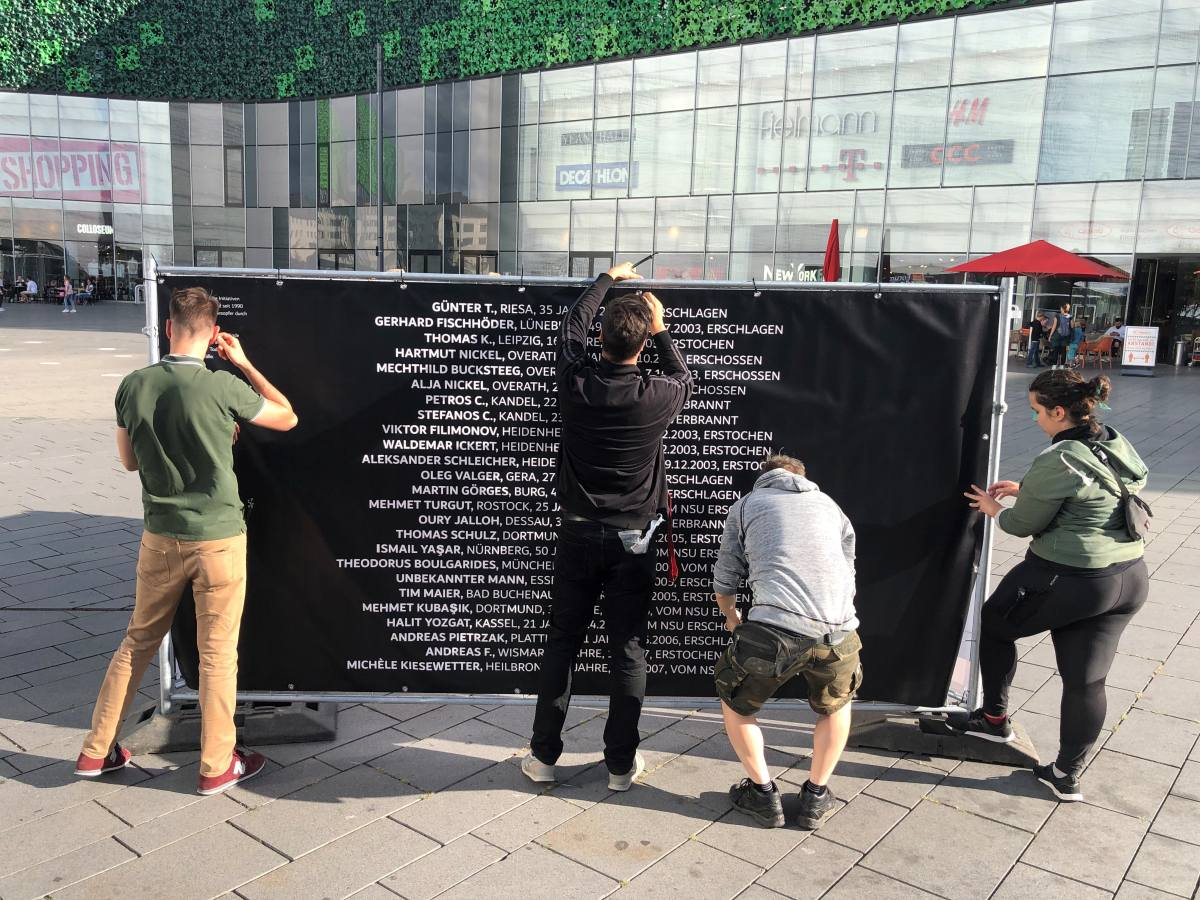 2020 Initiative Kein Vergessen Koblenz Gedenken Frank Boenisch Todesopfer rechter Gewalt Aufbau